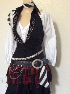 Adult Women's Pirate Halloween Costume by PassionFlowerVintage Adult Pirate Costume, Pirate Garb, Pirate Halloween Costumes, Halloween Kostüm, Fortune Teller Halloween Costume Ideas, Costumes For Women, Teen Costumes, Woman Costumes, Couple Costumes