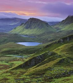 Sharks Fin Dawn, Quiraing, Skye, Scotland, weather, morning, sunrise, dawn, special, pink, velvet, green, slopes, bracke photo by Ian Cameron