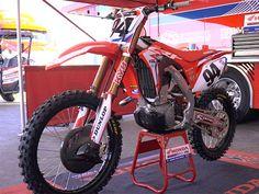 Ken Roczen's Honda CRF450R | Factory Bike Friday | VIDEO | Dirt Rider