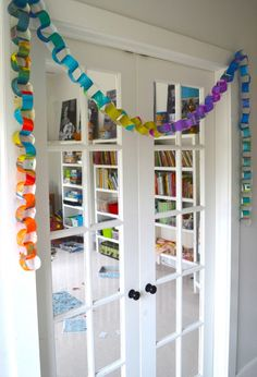 recycled art paper chain
