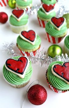 The Grinch Heart Cupcakes
