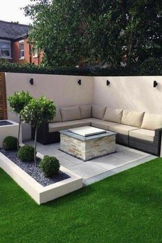 - classy backyard garden ideas with fence design - st common material for fences is timber. T fences with chain-link or wired mesh is also popular a Small Outdoor Patios, Small Backyard Patio, Backyard Seating, Garden Seating, Pergola Patio, Patio Privacy, Outdoor Seating, Outdoor Sectional, Sectional Sofa