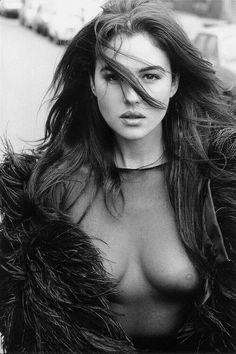 Beautiful Celebrities, Beautiful Actresses, Beautiful Women, Black N White Images, Black And White, Monica Bellucci Photo, Photography Movies, Bond Girls, Italian Actress