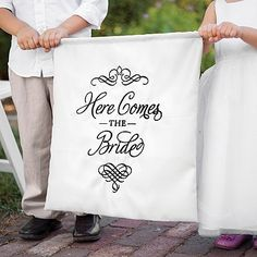 Elegant Here Comes the Bride Sign