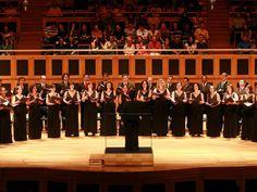 O Coro da Osesp realiza turnê pela capital em seis concertos com entrada Catraca Livre.