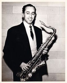 Paul Gonzalves (July 12, 1920 - May 15, 1974) American saxophoneplayer (orchestra's: Duke Ellington-, County Basie- and Dizzy Gillespie Orchestra).