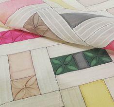 """보자기의 예술 - 조각보, 보자기 (옥사 실크) Jogakbo - Korean traditional patchwork. Bojagi - Korean traditional wrapping cloth. Korean traditionalsilk. """"이 세상 규방공예의 중심"""" 쌈지사랑 규방공예 연구소 #jogakboexhibition #jogakbo #조각보전시회 #조각보 #보자기 #쌈지사랑규방공예연구소 #규방공 Korean Traditional, Korean Outfits, Textile Art, Korean Fashion, Needlework, Oriental, Quilts, Embroidery, Stitch"""