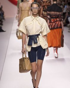Fendi spring summer 2019 ready to wear-ready woman vogue runway biker shorts trend - read the spring summer 2019 trends fashion week coverage on Trend Fashion, Summer Fashion Trends, Milan Fashion Weeks, Runway Fashion, Fashion Design, Summer Trends, Fashion Spring, Fashion 2017, Fashion Online