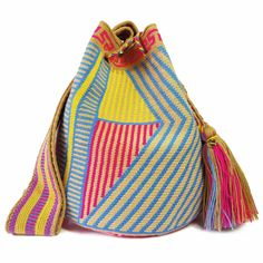 $114.00 USD Traditional single-thread large mochila bags are one of the most iconic crafts in Colombia. Each piece has taken over 20 days to make and is sure to last you throughout the years. Make it your go to bag for this summer. It's hard to have just one! Tapestry Bag, Bucket Bag, Crochet, Textiles, Bags, Traditional, Embroidery, Summer, Crafts