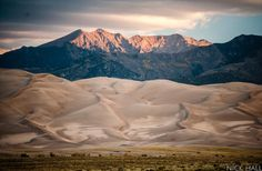 """Another glorious day the air as delicious to the lungs as nectar to the tounge,"" John Muir—photo by Nick Hall @nickhallphoto. #greatsanddunes #sunrise #dawn #sangredecristo #mountains #exploration #nature #livenature (at Great Sand Dunes National..."