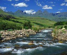 The Drakensberg Mountains, KwaZulu Natal, South Africa Places To Travel, Places To Visit, South Africa Safari, Namibia, Foto Blog, Kwazulu Natal, Africa Travel, National Parks, Scenery