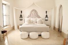 white moroccan bedroom in Marrakech Morrocan Decor, Moroccan Lanterns, Moroccan Tiles, Moroccan Bedroom Decor, Turkish Tiles, Portuguese Tiles, Moroccan Interiors, Marrakech, Beautiful Bedrooms