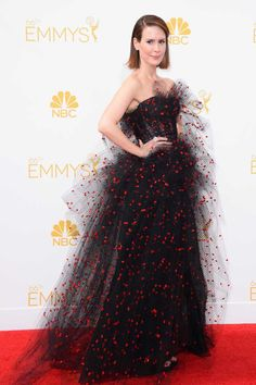 Worst Outfit- This dress reminds me of a Halloween Costume.Not only was it not appropriate for the Emmy's, but it also should have been saved for Halloween.