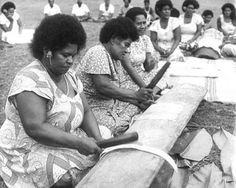taveuni masi ladies - tapa cloth