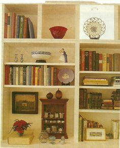 Great idea for arranging bookshelves.