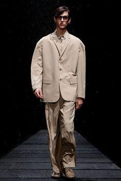 15周年を迎える「LAD MUSICIAN(ラッド ミュージシャン)」が、恵比寿ガーデンホールにて2010年春夏コレクションを発表した。…