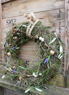 Easter Wreaths, Holiday Wreaths, Holiday Decor, Wool Art, Gypsophila, Interior Garden, Grapevine Wreath, Christmas Holidays, Diy Crafts
