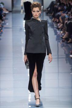 Sfilata Giorgio Armani Privé Parigi - Alta Moda Autunno-Inverno 2016-17 - Vogue