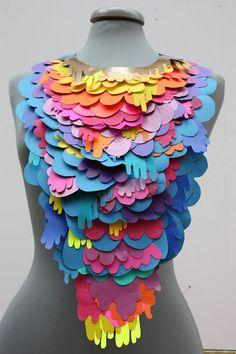 running paint paper necklace
