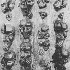 Humans II... #france #sculptures #sculpture #human #larochelle #like4like #like4follow #black #blackandwhite #blackandwhitephotography
