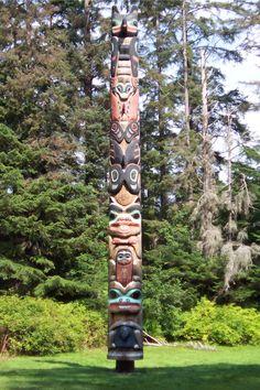 Tlingit_K'alyaan_Totem_Pole_August_2005.jpg (1720×2580)