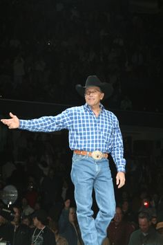 George Strait! Best Rodeo Ever!