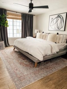 Home Decor Habitacion .Home Decor Habitacion Farmhouse Master Bedroom, Master Bedroom Makeover, Master Bedroom Design, Cozy Bedroom, Home Decor Bedroom, Bedroom Furniture, Master Suite, Bedroom Curtains, Stylish Bedroom