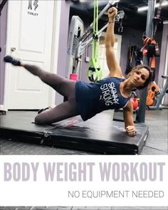 Here is a body weight, no equipment needed workout that you can do from home🏠 Plank + Leg Raise Low Squats up + Alternate Toe Touch Tuck Jumps In Place Complete each exercise for with a rest in between! Then repeat for a total of 4 rounds! Pilates Workout, Fitness Workouts, Hiit Workout Videos, Sixpack Workout, Sixpack Training, Pilates Abs, Pilates Training, Insanity Workout, Best Cardio Workout
