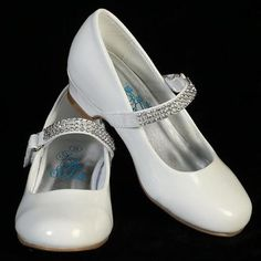 Details Mia Girls Rhinestone Strap Heel Shoe - available in white, ivory or black. Available sizes include 4 and 5 Made by Lito Childrens Wear. Flower Girl Shoes, Girls Dress Shoes, Little Girl Shoes, Girls Flats, Baby Girl Shoes, Ladies Shoes, Girls Dresses, First Communion Shoes, First Communion Dresses