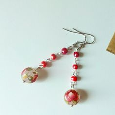 Rose rosse per te ho comprato stasera, ma il mio cuore lo sai....  #earrings #orecchini #spring #rose #earringsoftheday #verde #green #rosso #rossiccio #red #handmade #italianstyle #jewerly #jewerlyshop #unique #gift #classic #class #bohochic #bohemian #madeinitaly #handmadejewelry #elenalucc #elenaluccalittlemarketitalia #fashion #unconventional #heart