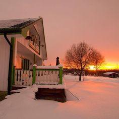 Sunrise in cozy #swedishlapland #Sweden