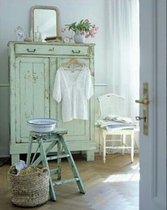 This delicate cottage style works wonders for a nursery or girls bedroom.