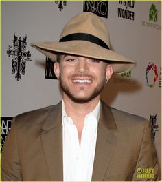 adam-lambert-is-town-country-chic-for-marco-marco-collection-05-X3.jpg (1072×1200)