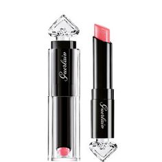 Kissable lips wit this Guerlain lipstick, perfect for your summer make-up. 💄
