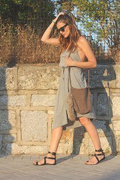 vestido_gris_escote_espalda4