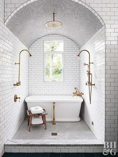 Great wet room, not too big. Not sure about the arch - and it would be nice to have a rain shower above the tub too