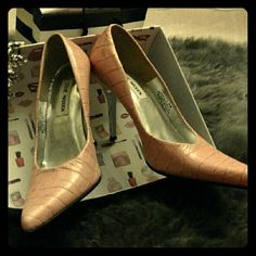 Shoes - Women's Heels Steve Madden - Faux Alligator Blush Pink with Chrome Heel - Worn a few times, then put in a box. Never worn outside. A few small nicks on inside top back ankle (see pic), but everything else is in excellent condition. Steve Madden Shoes Heels
