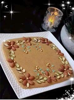 Algerian Recipes, Algerian Food, Morrocan Food, Best Keto Bread, Diy Crafts For Gifts, Food Decoration, Yummy Cakes, Food Art, Sweet Recipes