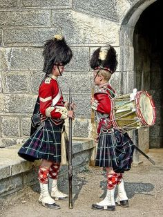 Sargent and drummer boy of the Highlanders at Fort George Citadel a National Historic Site of Canada in Halifax, Nova Scotia picture taken by Bob Jagendorf O Canada, Canada Travel, Ansel Adams, Ottawa, Scottish Kilts, Scottish Army, Tartan Kilt, Plaid, Atlantic Canada