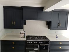 White Carrera- Hertford, Herts - Rock and Co Granite Ltd Carrara, Kitchen Styling, Granite, Kitchen Cabinets, Traditional, Home Decor, Kitchen Cupboards, Homemade Home Decor, Granite Counters