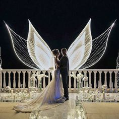 Check out the absolutely must-have wedding photos for your wedding pictures album. Build checklist and share with your wedding photographer. Gold Wedding Decorations, Wedding Themes, Wedding Designs, Wedding Dresses, Bridesmaid Gowns, Wedding Ideas, Decor Wedding, Ceremony Decorations, Wedding Stage