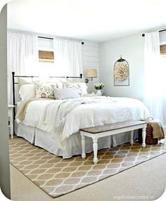 Gorgeous Rustic Farmhouse Bedroom Decor Ideas – Best Home Decorating Ideas Small Master Bedroom, Master Bedroom Makeover, Master Bedroom Design, Cozy Bedroom, Bedroom Sets, Master Bedrooms, Bedroom Designs, Bedroom Curtains, Girls Bedroom