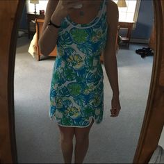 Lily pulitzer dress Size small and stretches to fit Lilly Pulitzer Dresses