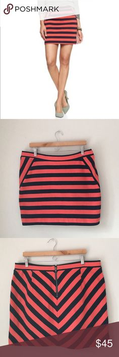 GAP Orange Striped Knit Skirt Size Large Gorgeous orange rear Chevron striped skirt by GAP. Rear zip. 100% cotton. Size Large. Excellent preowned condition. GAP Skirts