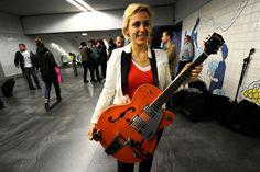 Realizou-se este sábado, na estação de metro do Bolhão, o casting da 3.ª edição da Música na Rua. As bandas seleccionadas tocam, a partir de 1 de Março, em várias estações do Porto
