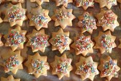 Gingerbread Cookies, Cookie Cutters, Biscuits, Sugar, Desserts, Food, Gingerbread Cupcakes, Crack Crackers, Tailgate Desserts
