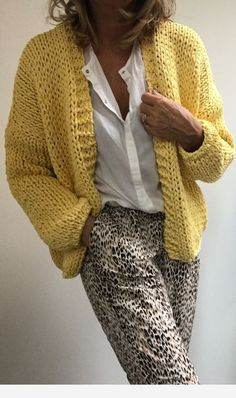 Cool and Stylish Crochet Cardigan Patterns and Idea Images - Beauty Crochet Patterns! - Stricken - Cool and Stylish Crochet Cardigan Patterns and Idea Images - Crochet Cardigan Pattern, Knit Cardigan, Knit Crochet, Kimono Pattern, Knitting Patterns, Crochet Patterns, Easy Knitting, Knitting Ideas, Sewing Patterns