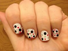 #polka dots #nails #diy