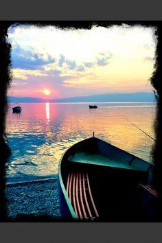 www.macedonievakantiehuis.nl Meer van Ohrid guido@oesterkoning.nl  tel 0031.620564828 € 995,- per week. Penthouse in Pestani met uitzicht over het meer van Ohrid. foto Guido Bindels copyright