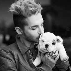My future hubby, Bill Kaulitz, with his adorable little dog, Pumba. ^_^ ♥ Seriously love Bill.